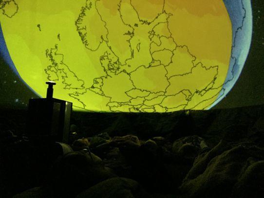 2c67cc0a16b Tjänstemän på Länsstyrelsen Östergötland får ta del av en interaktiv  filmvisning om klimatet.